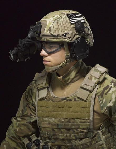Viper_Military_UHC_V2FM_Rails_KittedUS_671x864_300_RGB