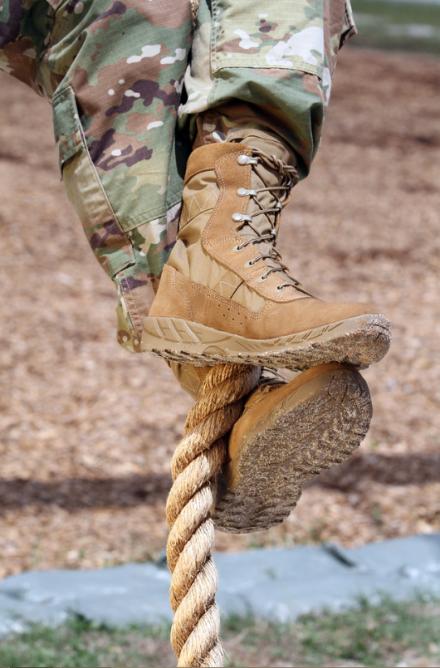 c7-rope-climb